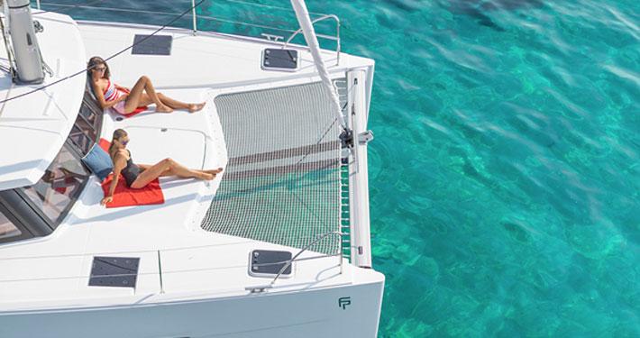 catamarano lucia 40 esterni
