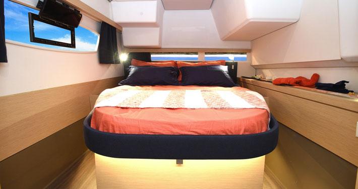 catamarano lucia 40 cabina